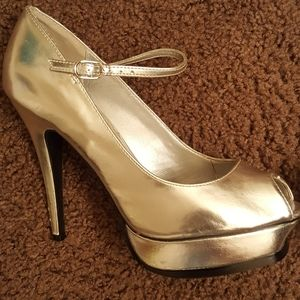 Silver metallic high heels